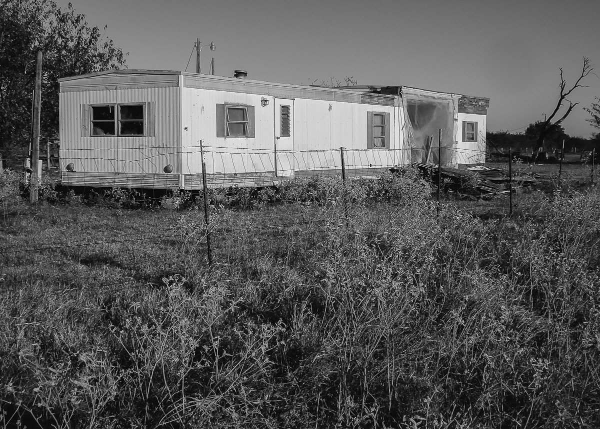 Urban Exploring an Abandoned Mobile Home in East Texas