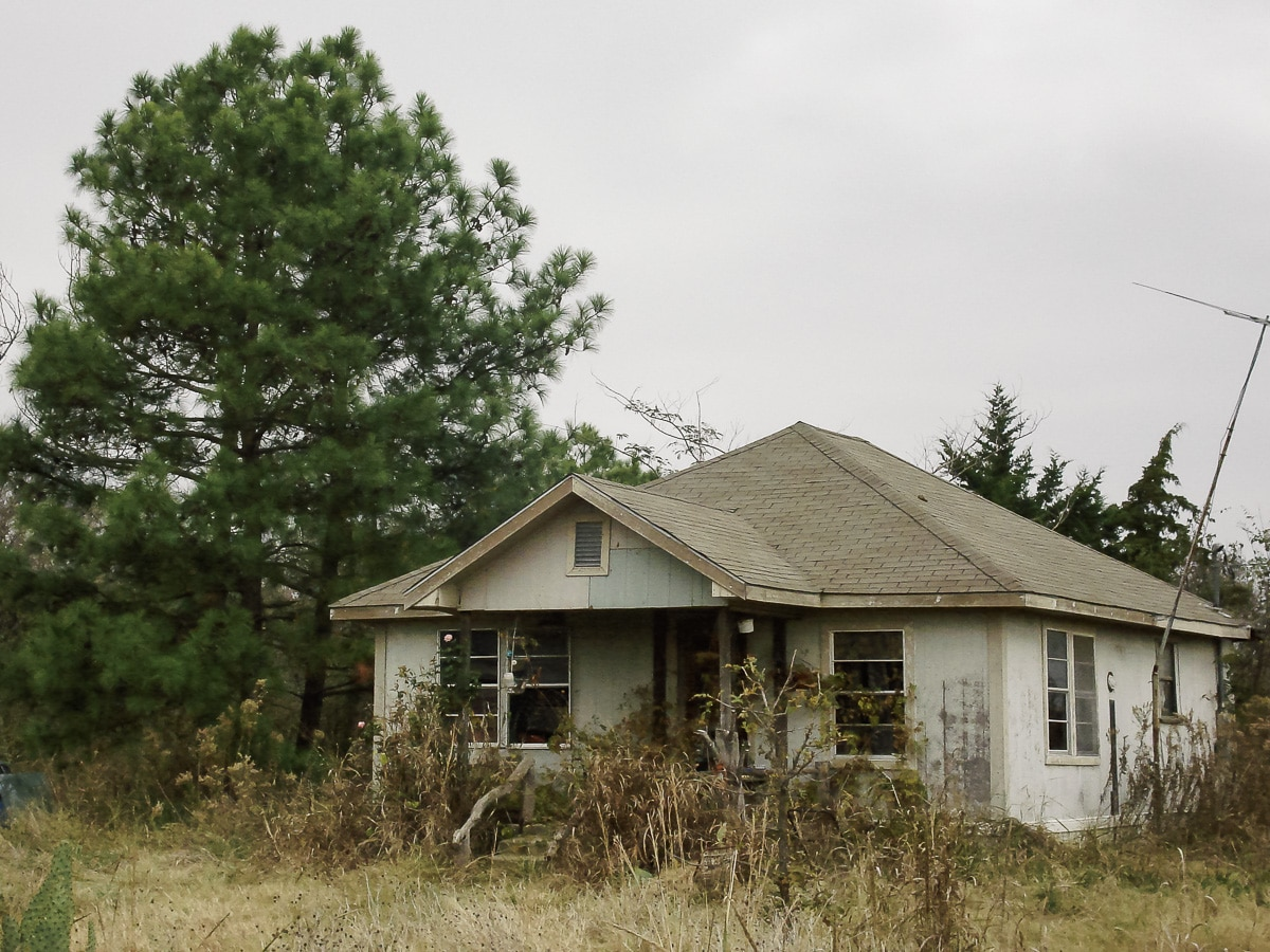 Urban Exploring an abandoned house in East Texas