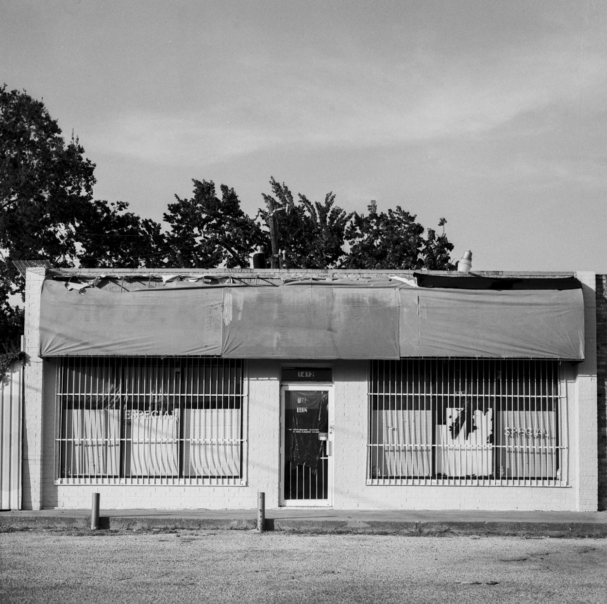 An old closed down store in Old East Dallas