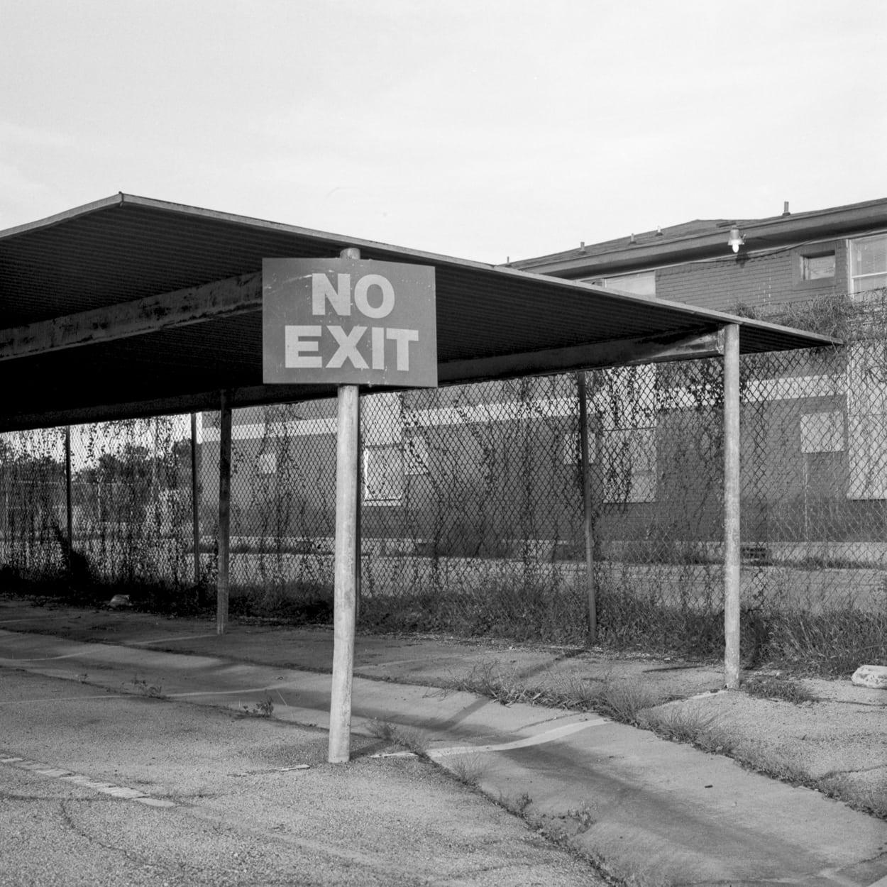 A no exit parking lot sign