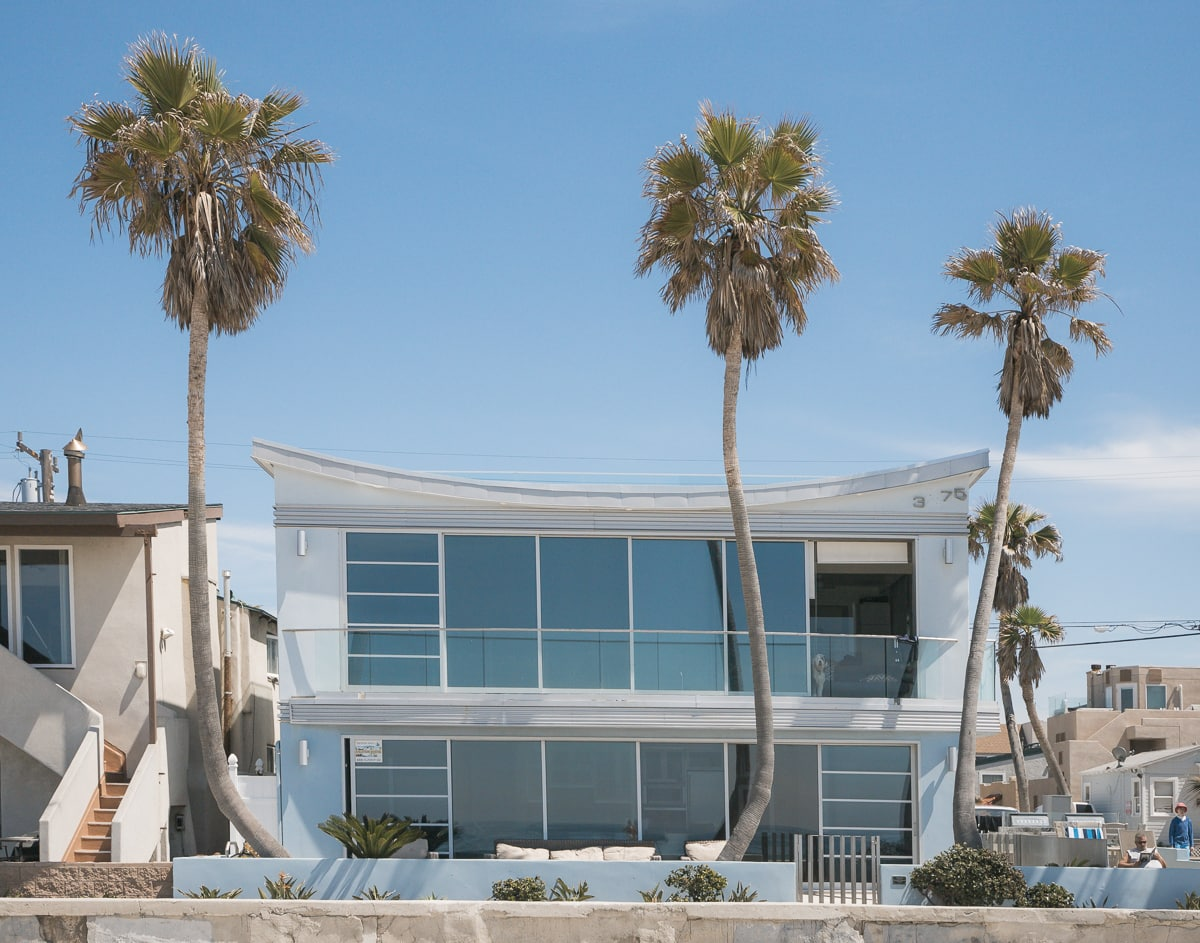 Modern beach house at Ocean Beach, San Diego