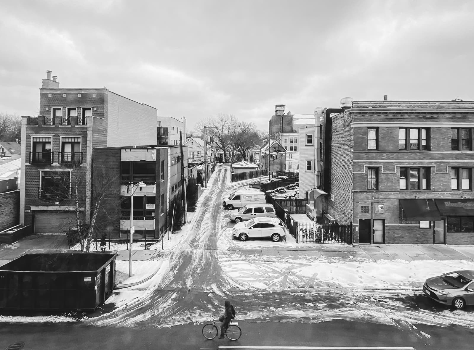 Snowy empty streets of Chicago