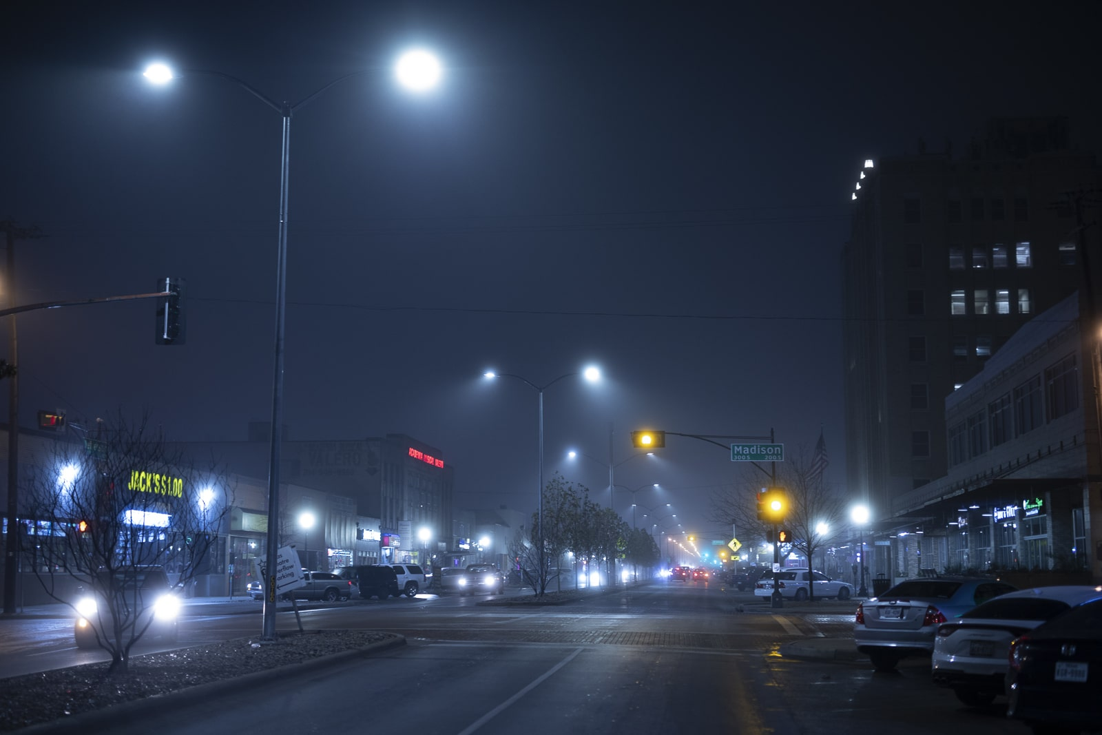 Jefferson Boulevard at Night