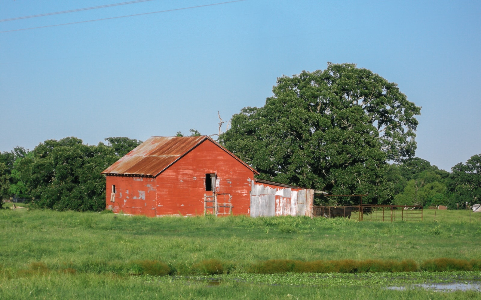 An old red barn in East Texas